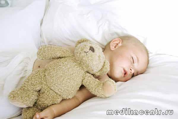 Сколько спит новорожденный