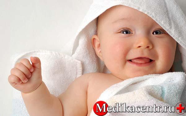 Как правильно мыть новорожденного